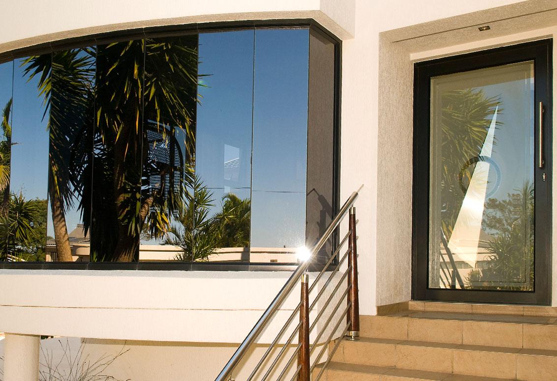 pivot-doors-double-vision-aluminium-port-shepstone1-kzn